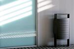 Klare Linien und Funktionalität für diesen Abfallbehälter für Außenbereiche