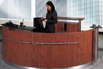 Modell Welcome. Setzen Sie Akzenpte! Zum Beispiel mit einer Edelstahl-Reeling oder einer Frontsäule.